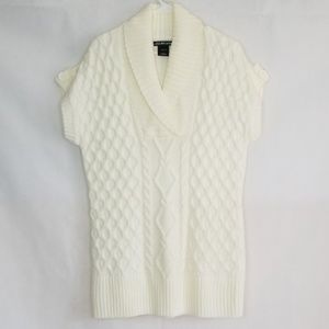 2/$20 United States Sweaters Knit Sweater Size L